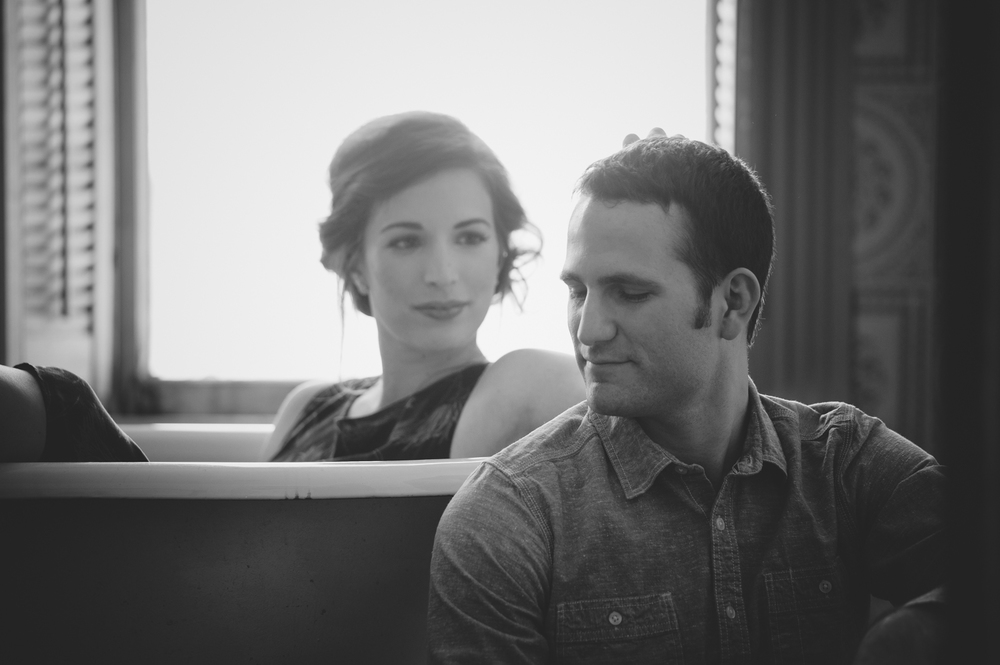 BARR_MANSION_ENGAGEMENT_SHOOT_BY_MATTHEW_MOORE_PHOTOGRAPHY_00049-2.jpg
