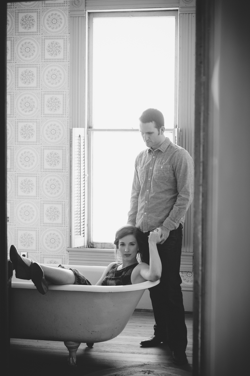 BARR_MANSION_ENGAGEMENT_SHOOT_BY_MATTHEW_MOORE_PHOTOGRAPHY_00050-2.jpg