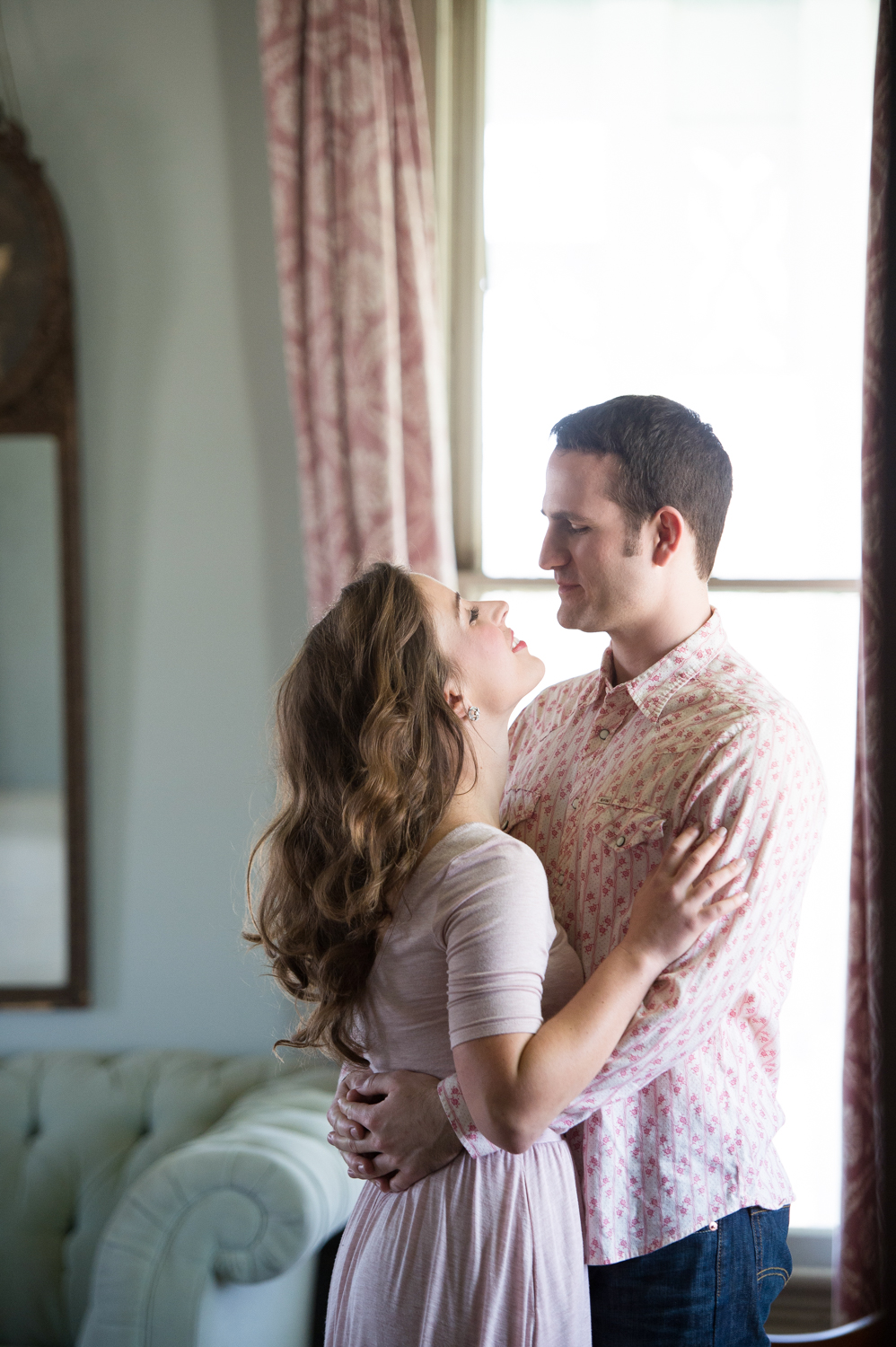 BARR_MANSION_ENGAGEMENT_SHOOT_BY_MATTHEW_MOORE_PHOTOGRAPHY_00077.jpg