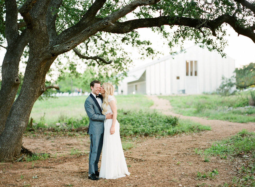 PROSPECT_HOUSE_WEDDING_AUSTIN_TX_BY_MATTHEW_MOORE_PHOTOGRAPHY_00590.jpg