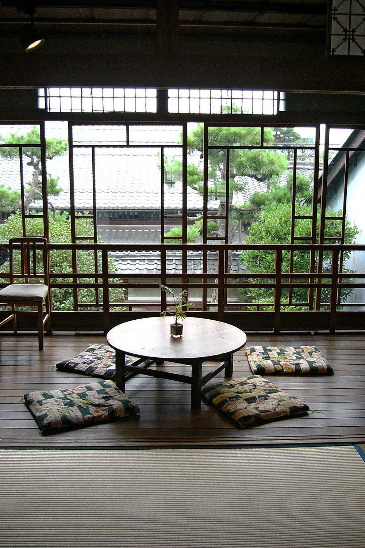 chabudai-table-art-museum.jpg