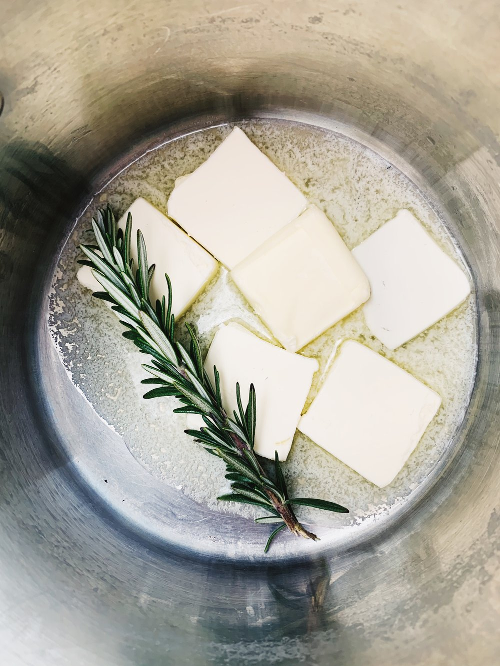 Rosemary + butter = YAS!