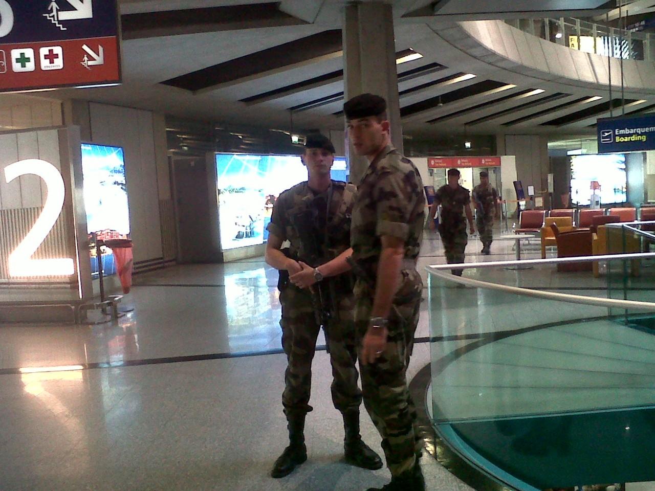 Paris Airport Shut down for a bit… But I am finally home!
