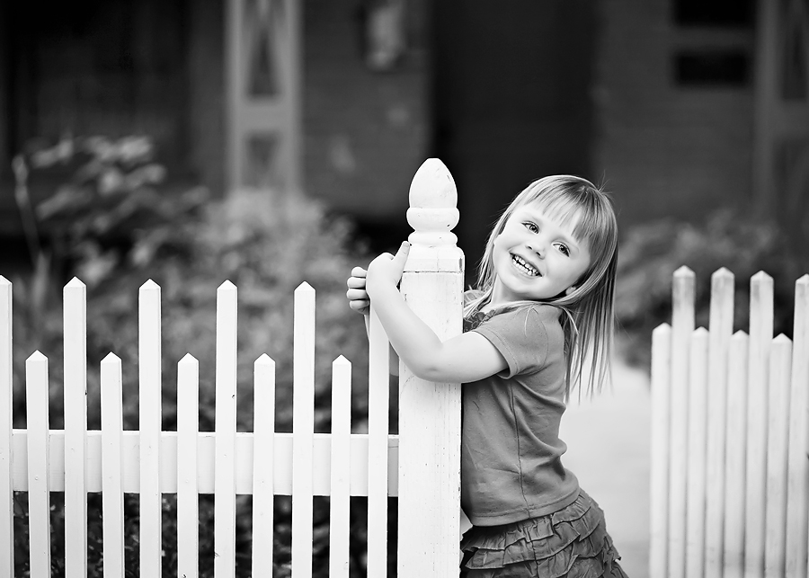 fence-smile-bw-blog