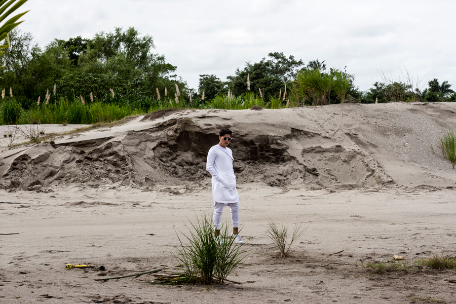 Tunica jerry carcamo jose vargas  men fashion moda honduras white tunica oversized fashion blog blogger editorial joggers