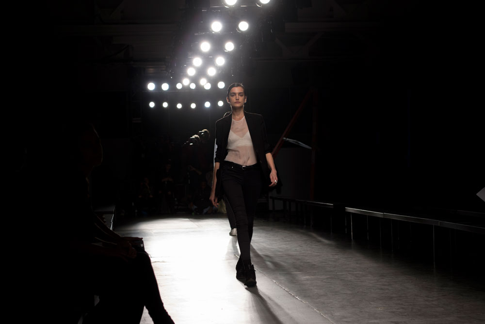 jose vargas network custo barcelona moda honduras estilo blog blogger fashion video backstage photographer video runway