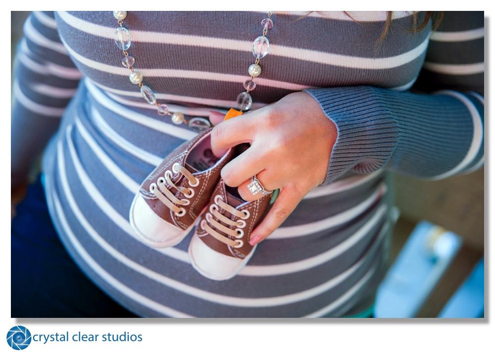 maternity-crystalclearstudios.jpg