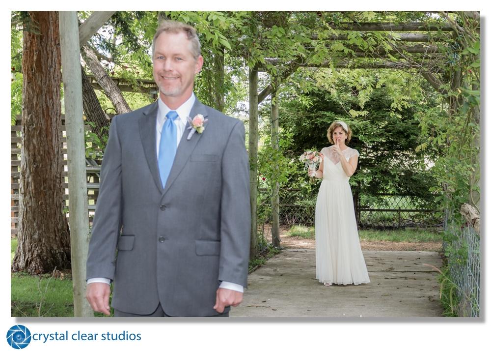 wedding-sonoma-kenwood-firstlook-crystalclearstudios.jpg