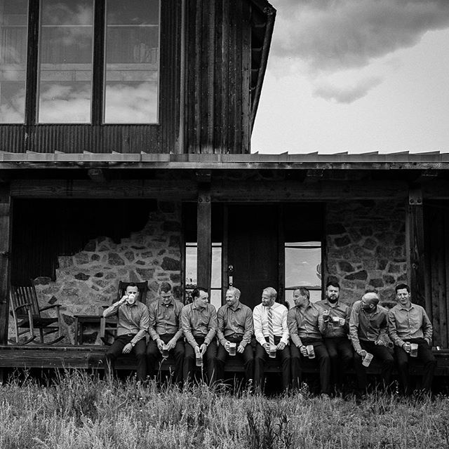 Groomsmen chill time. . . . . . . #groomsmen #weddingprep #romerranch ##carolinecolvinphotography #weddingphotography #destinationwedding  #mountainwedding #rusticchicwedding #weddingadventure #chasinglight #coloradophotographer #denver#rockymountainbridecolorodo #engagedincolorado #theknot cowedding