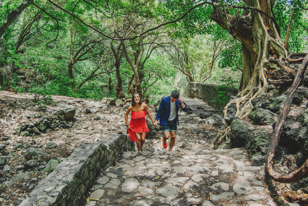 Mary Ro+Luis Carlos Mexican Morelos Hills Photoshoot (17).jpg