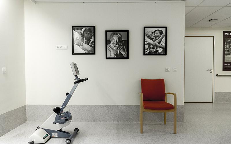 art hanging system.jpg