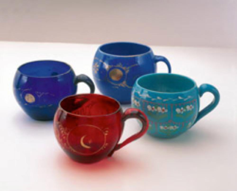 Tek kulplu, kırmızı, firuze, lacivert ve mavi renkli dört çeşit daldırma, Topkapı Sarayı Müzesi Koleksiyonu. Env. No: 34/1085.