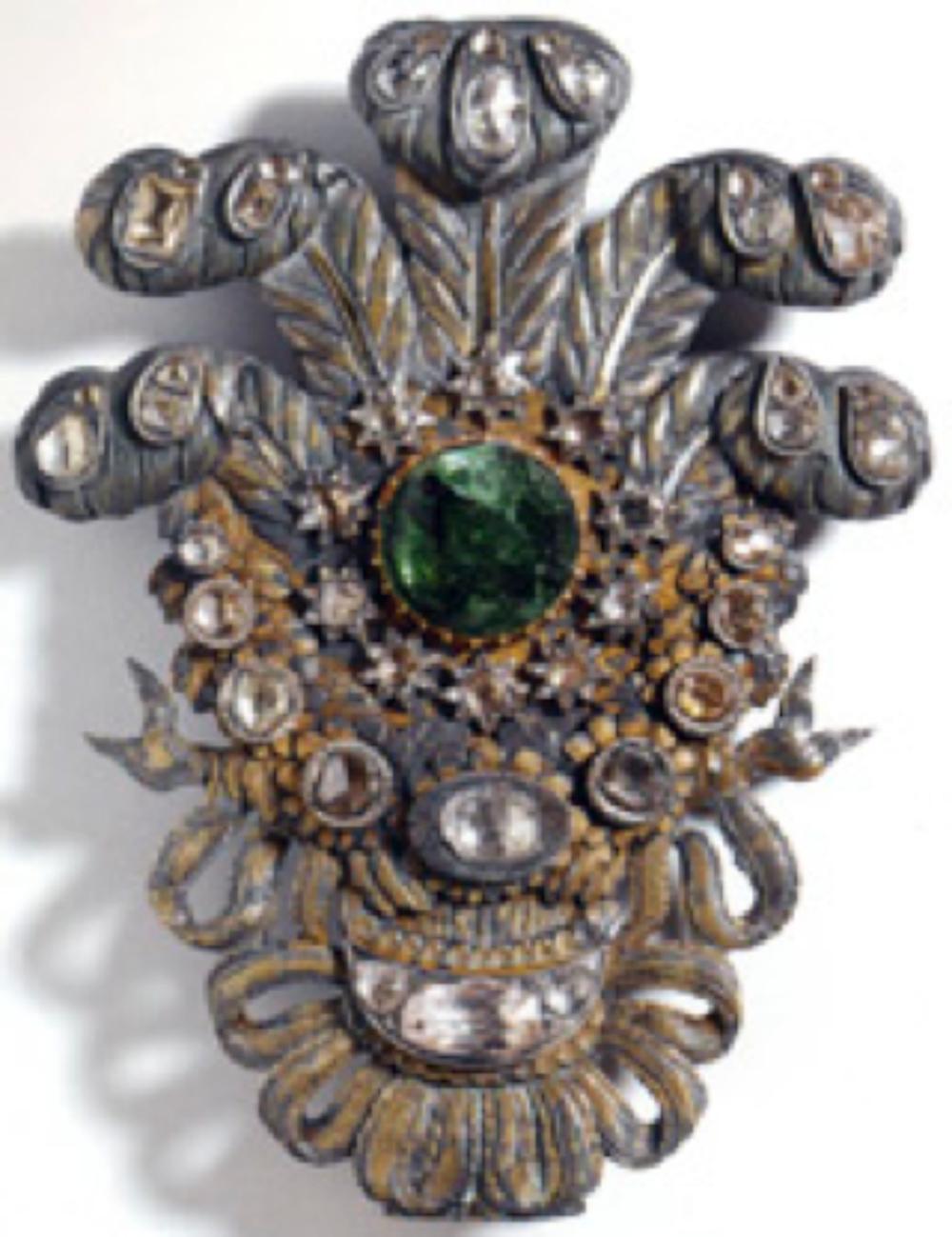 At Sorgucu Yuvaları, Osmanlı, geç 18.-erken 19.yüzyıl, altın yaldızlı gümüş, elmas, zümrüt; 17x11 cm (T.S.M. 2/3932, 34)