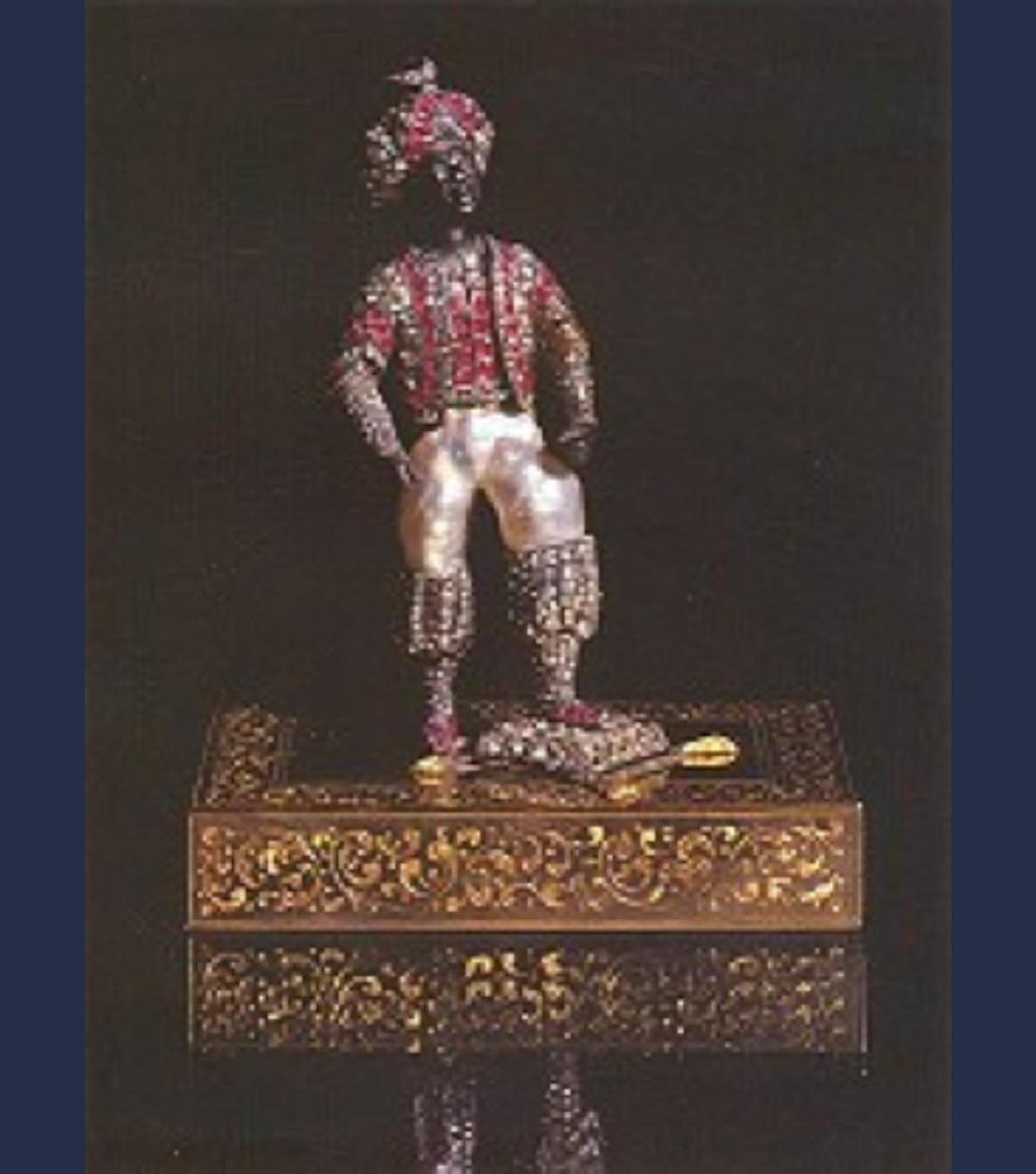 4-Resim 2/2392- Zenci figürini, Hint işi, 18.yüzyıl sonları-19.yüzyıl 15x8x5 cm