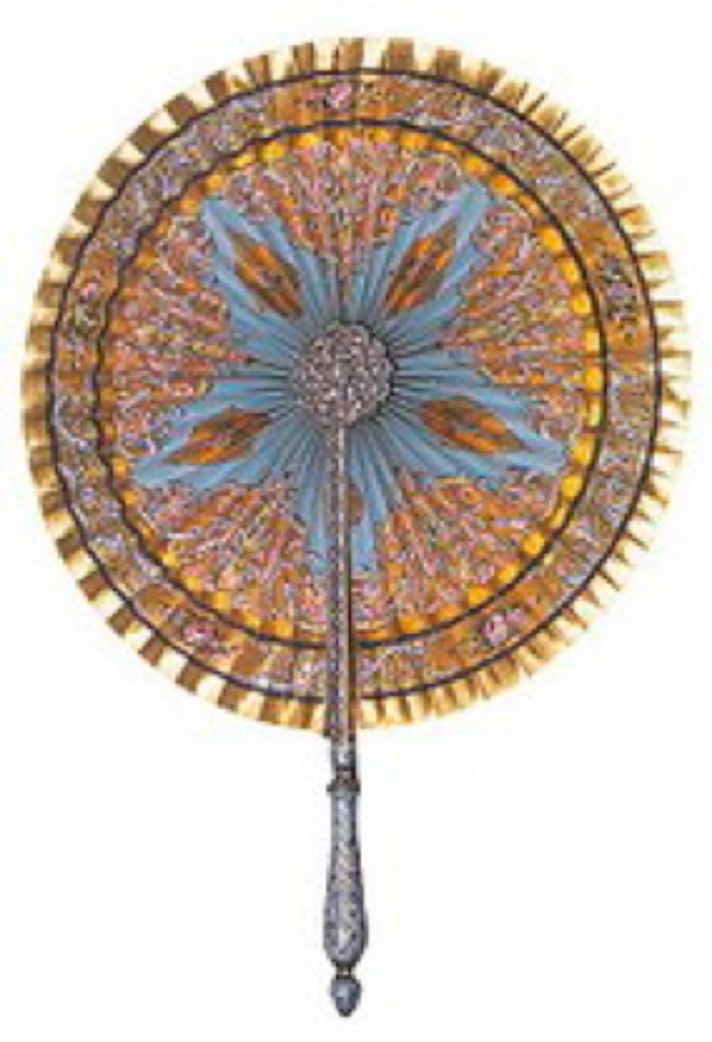 Elmaslı kağıtı yelpaze. 19.yüzyıl, Osmanlı, çap: 36 cm, uzunluk: 35 cm., madalyon çap: 5,5 cm. İki yüzü altın yaldızlı ve Rokoko bitkisel desenli. Orta madalyonlar, çubuklar ve sap altın üzerine mineli olup elmaslarla bezeli.