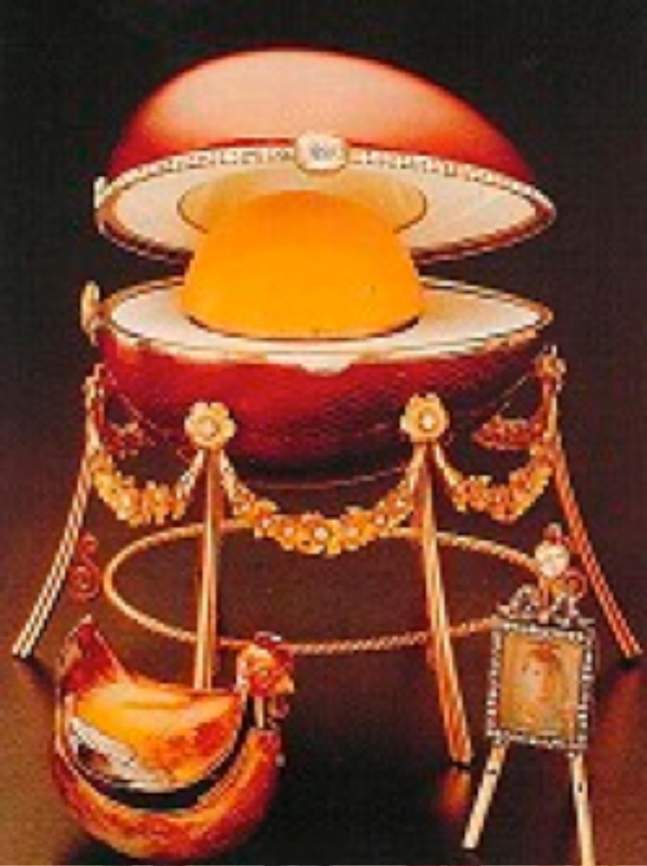 """""""Kelch Hen egg"""" M.P. imzalı Alexander Ferdinandovich Kelch tarafından karısı, Barbara Bazanov'a 1898 yılında hediye edilmiştir."""