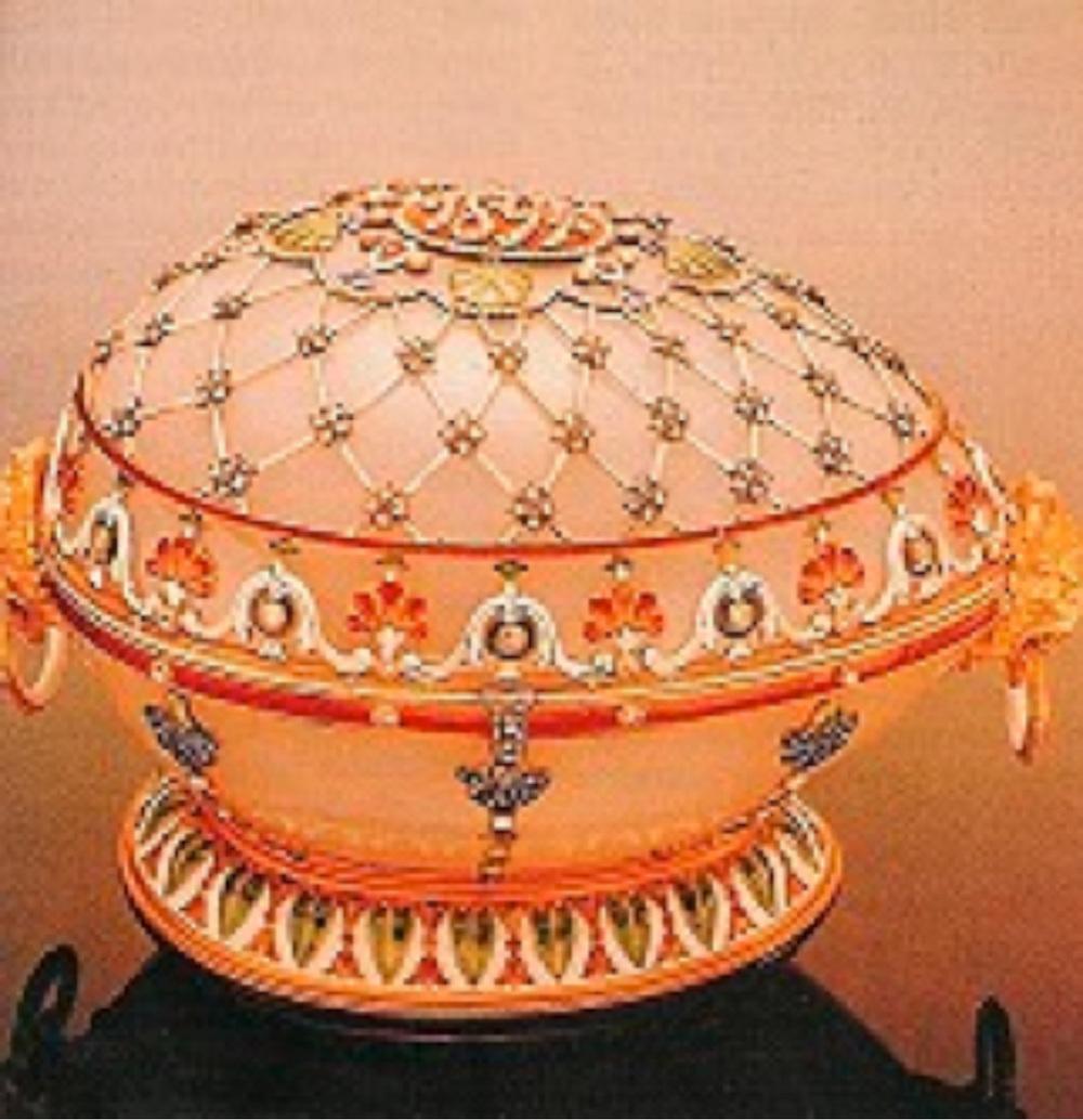 """""""Renaissance Egg"""" M.P. imzalı Çar III. Alexander tarafından karısı Maria Feodorvna'ya 1894'de hediye edilmiş"""