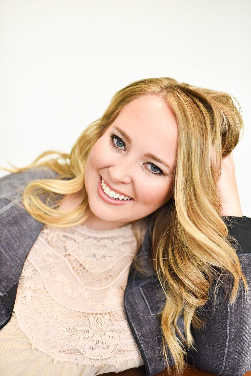 Amanda Hutchinson on Money & Mimosas