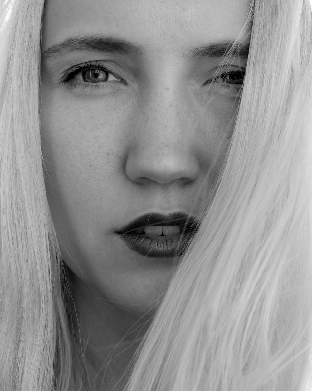 Olya_Shikhova_Polina_Shubkina_2015_002.jpg