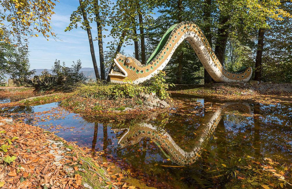 Hausweiher mit Schlangenbrücke