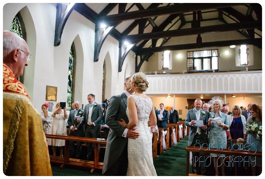 Sarah+Janes+photography,+wedding+photography,barn+wedding+north+wales_0011.jpg