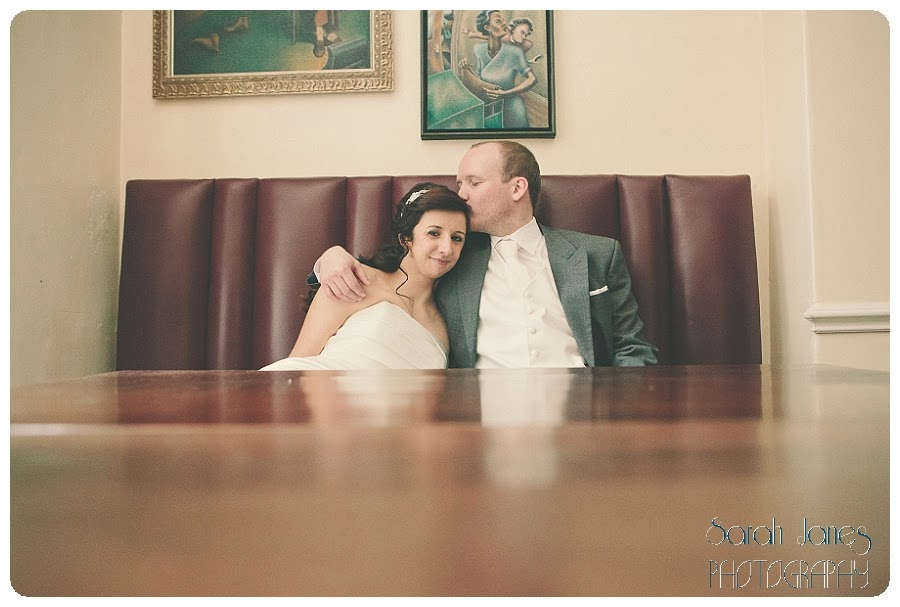 wedding+photography+at+Llyndir+hall+hotel,+Sarah+Janes+Photography_0042.jpg