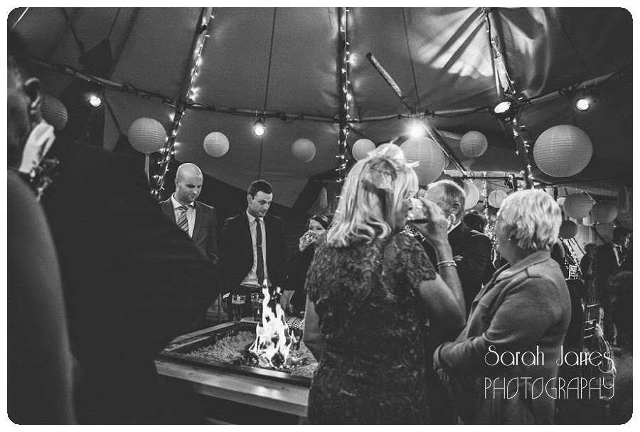 Wedding%2Bphotography%2BNorth%2BWales%2C%2BTipi%2Bweddings%2C%2Bsarah%2BJanes%2BPhotography%2C%2BQuirky%2Bwedding%2Bphotography_0070.jpg