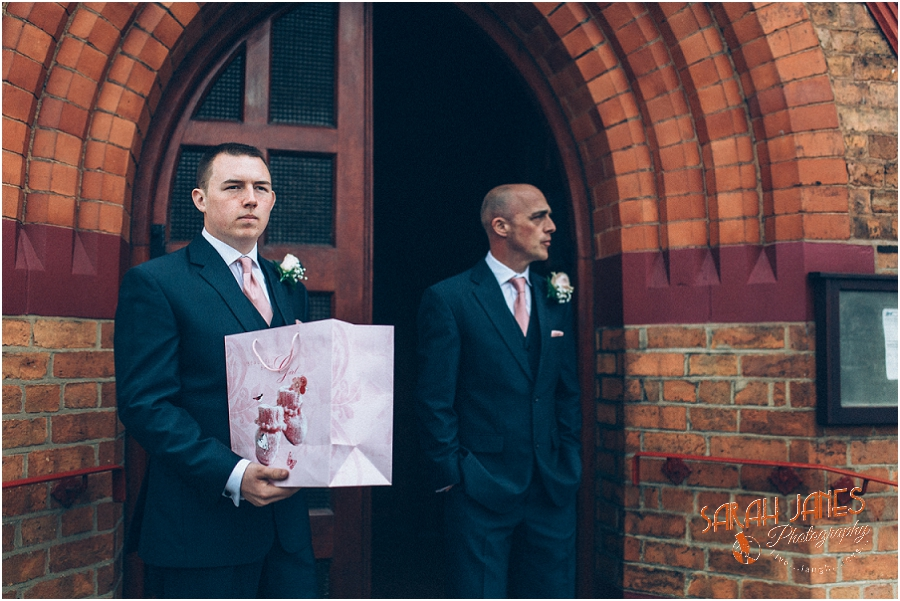 Wedding photography at the Lion Quays, Sarah Janes Photography_0010.jpg
