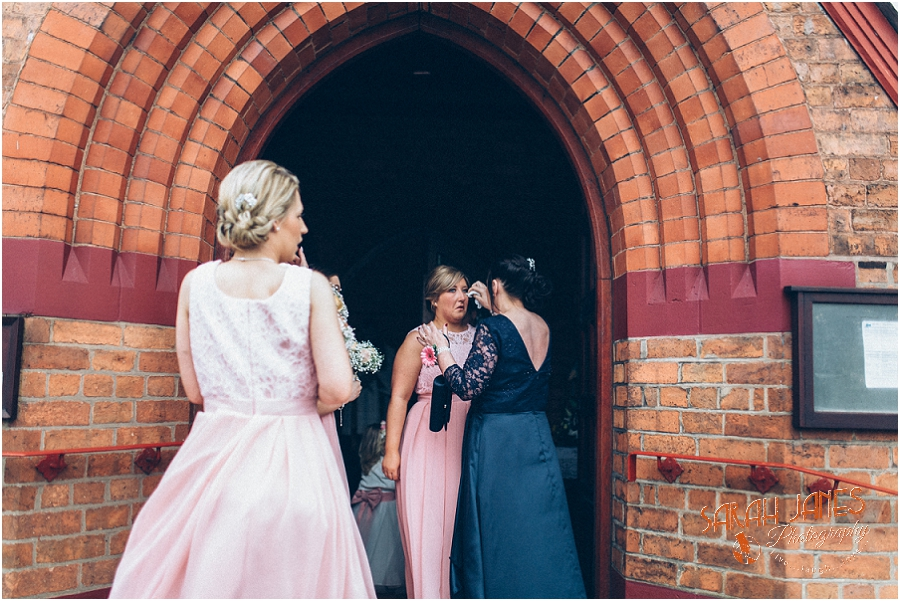 Wedding photography at the Lion Quays, Sarah Janes Photography_0012.jpg