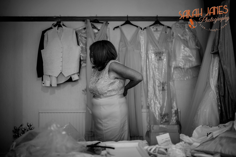 Sarah Janes Photography, Wirral wedding photography, wedding photography in Wirral, Wedding photography at Croxton Wood_0002.jpg