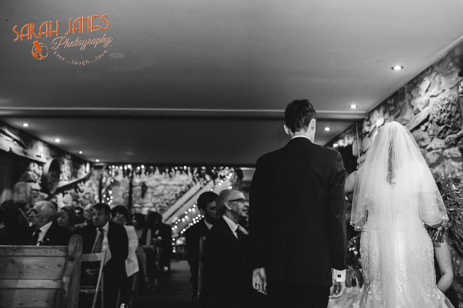 Sarah Janes Photography, Tower Hill Barns wedding_0025.jpg
