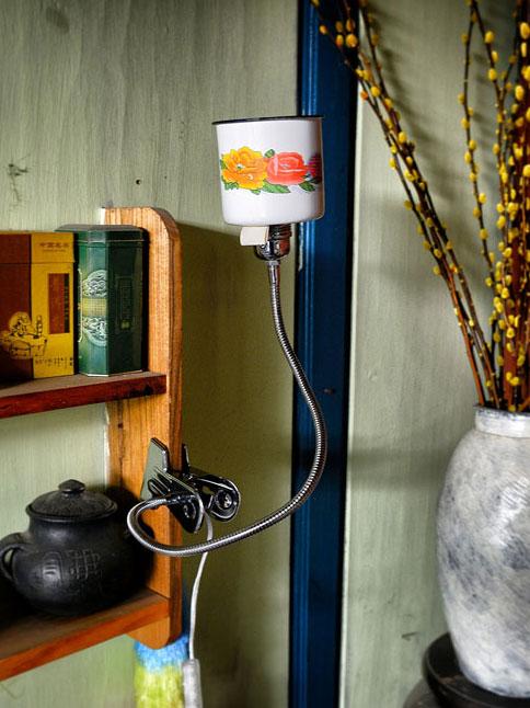Kitsch Enamel Clip Cup Lamp