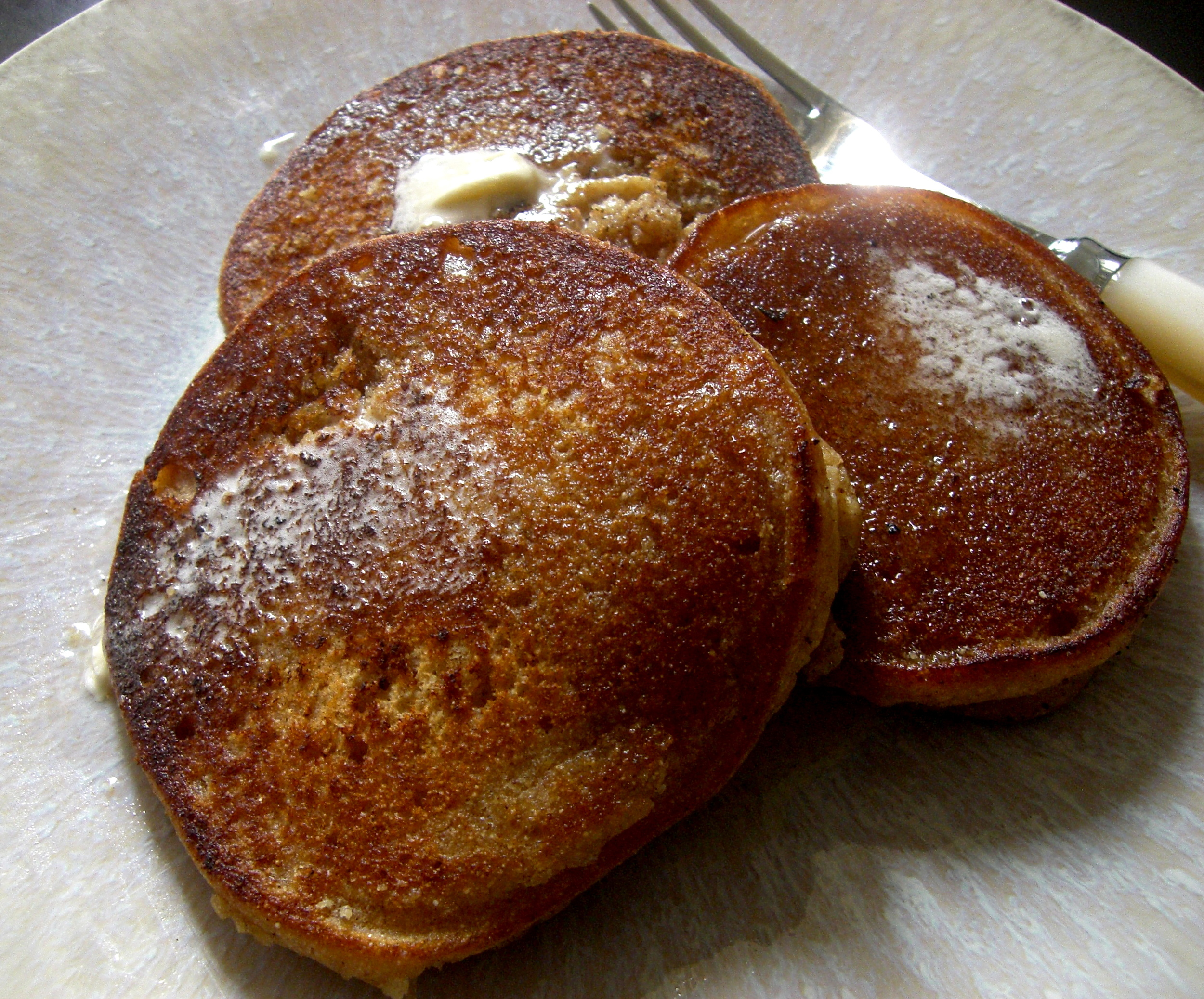 These multigrain, vegan pancakes are totally delicious and healthy.