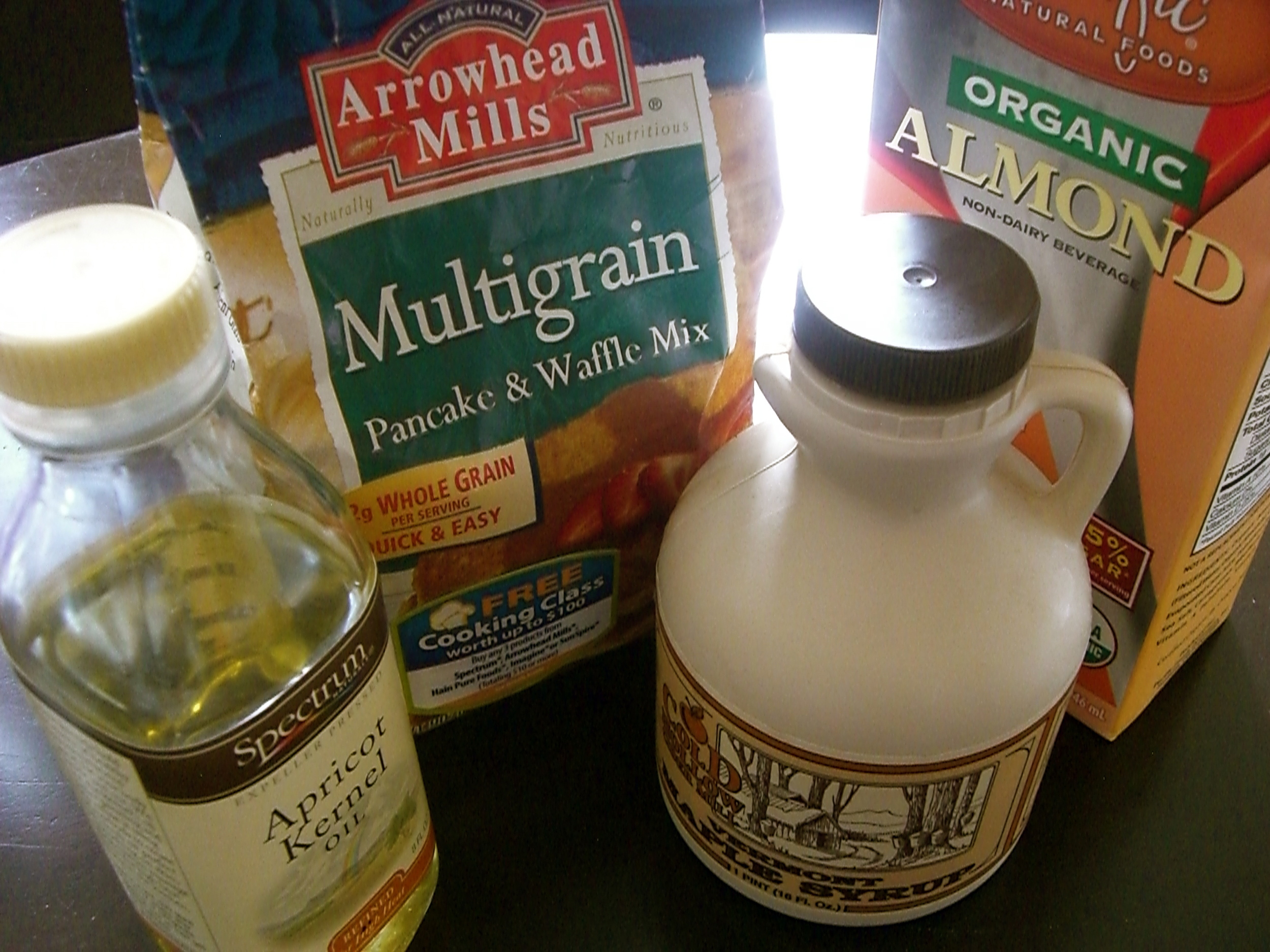 Here are the ingredients to make perfect vegan pancakes.
