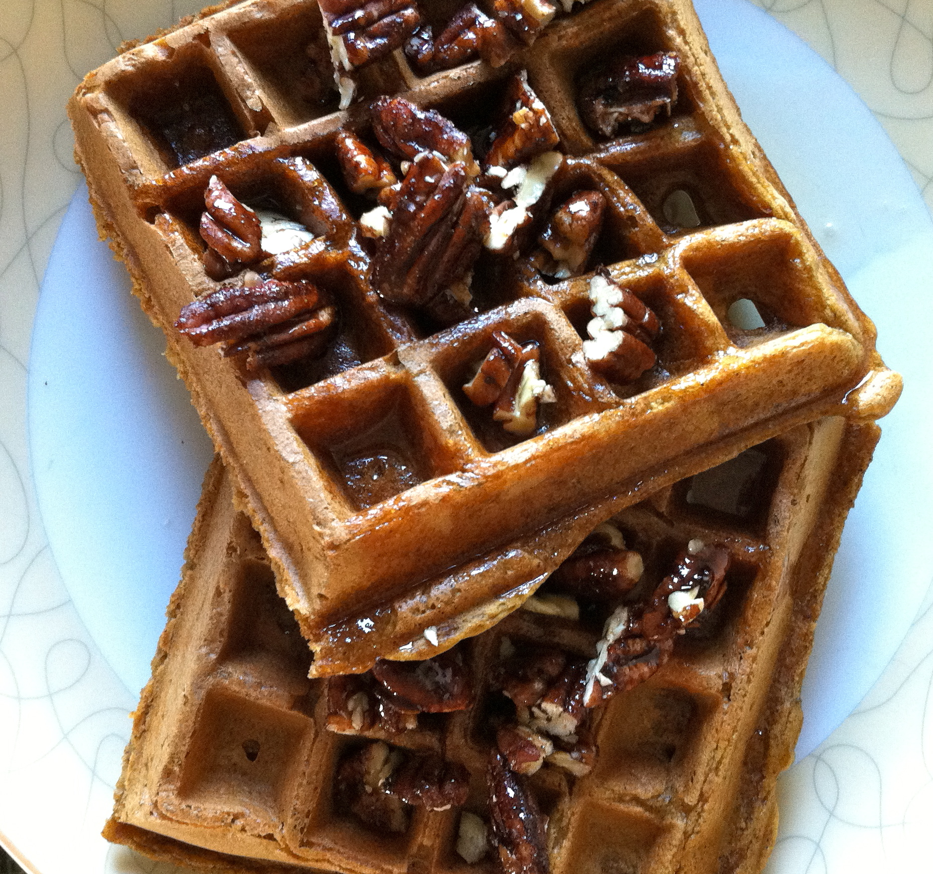 These vegan pumpkin waffles were amazingly delicioius.