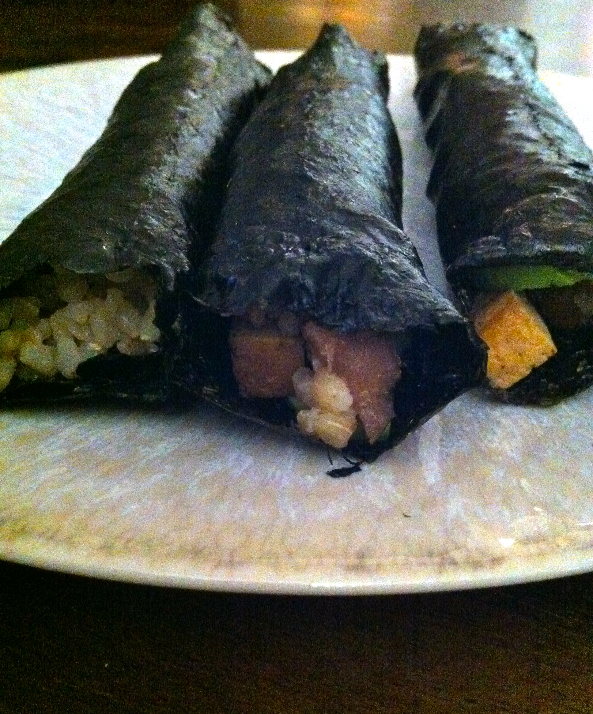 These nori rolls are filled with avocado and tofu and brown rice and chestnuts!