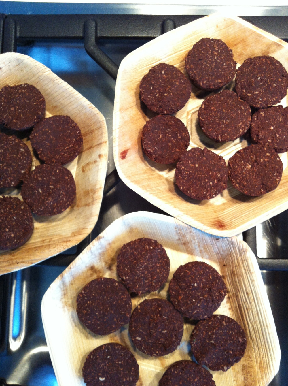 Love Life and Lollipops- Raw Cacao Macaroons