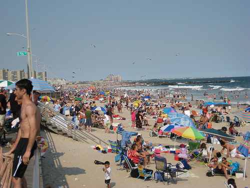 image via http://michaeldoig.net/226/rockaway-beach-brooklyn-ny.htm