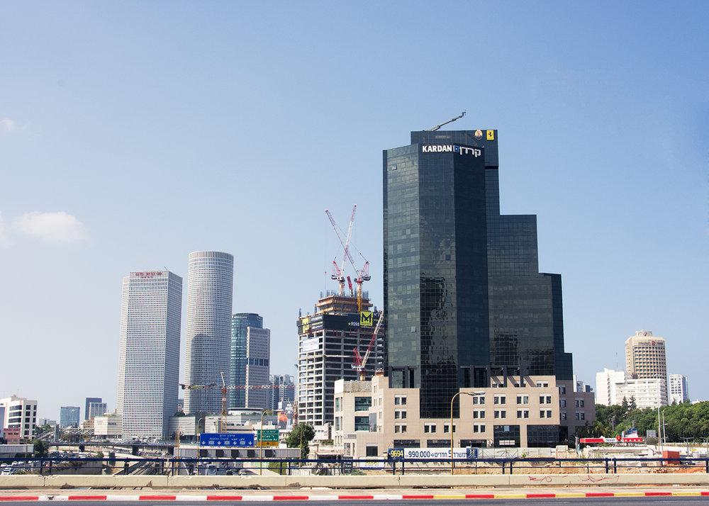 Arbeitsort Tel Aviv: Die Stadt ist eine von vielen, in denen es eine deutschsprachige Zeitschrift gibt. Bild: Manuela Paganini