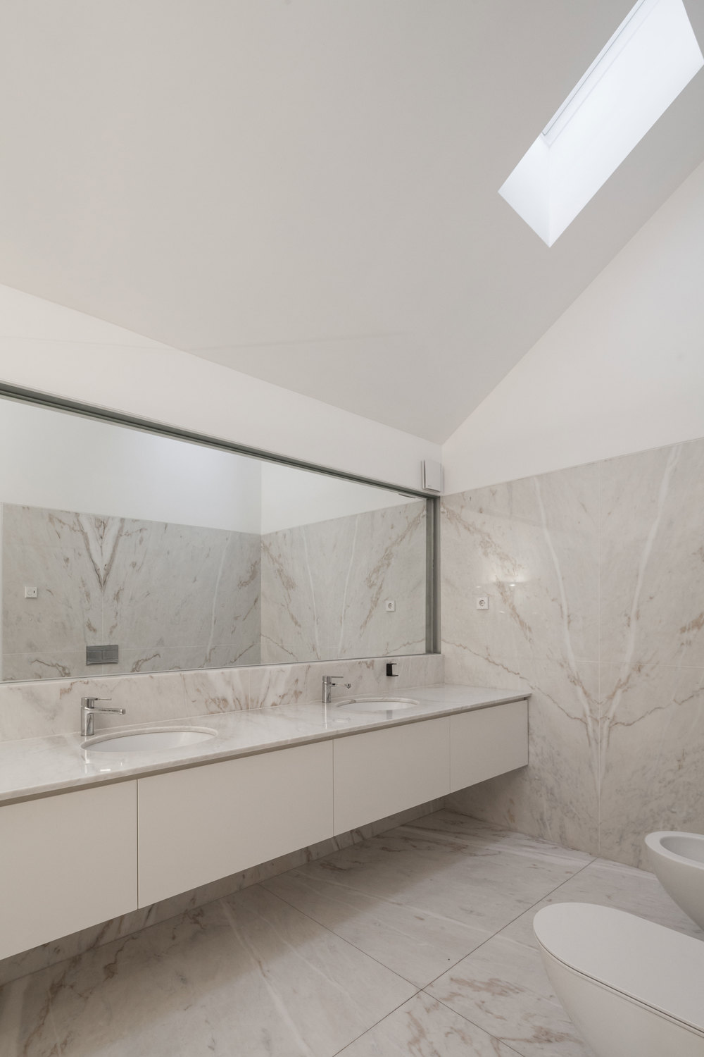 PROD_House_of_four_houses_bathroom_view1.jpg