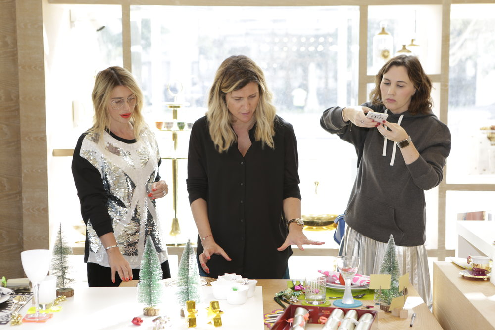 Yours truly talking about table styling while Irene from  Gingham & Sparkle  live insta stories and  Leyla Bruton  gets stuck in...