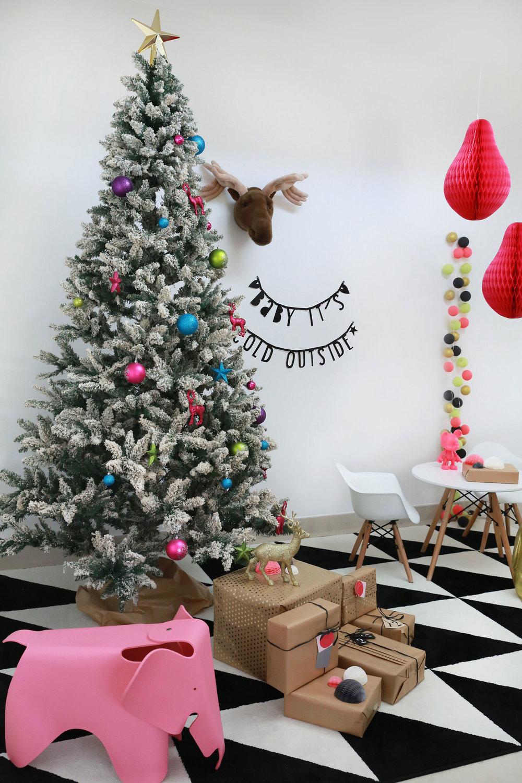 ChristmasStyling3_SATS.jpg