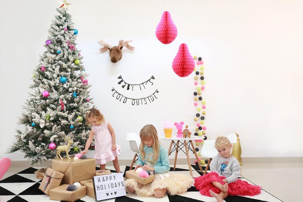 ChristmasStyling15_SATS.jpg