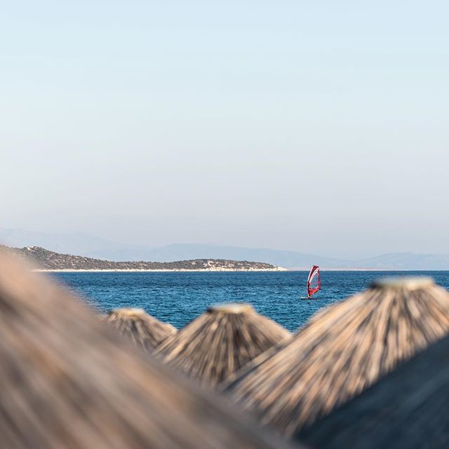 Cruising the Kynosoura Peninsula #moraitisbeach #windsurfing #schinias