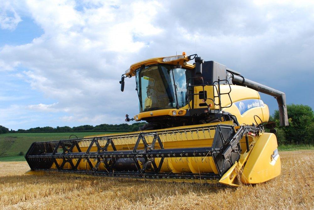 combine_harvester_agriculture_harvesting_harvester_crop_wheat_rural_harvest-744321.jpg