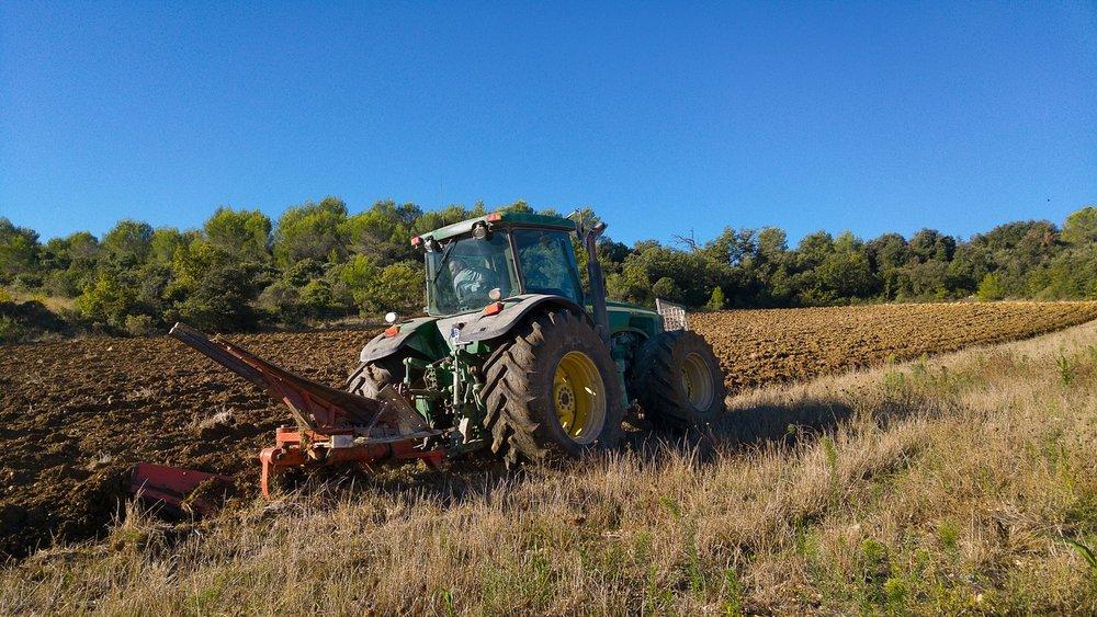 tractor-1734286_1280.jpg