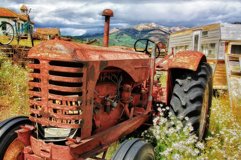 tractor-371250_1920.jpg