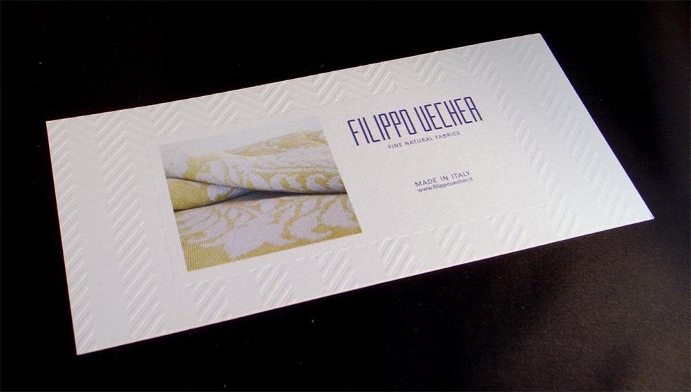 biglietto invito con bordatura esterna in letterpress, stampato in quadricromia, più quinto colre in offset
