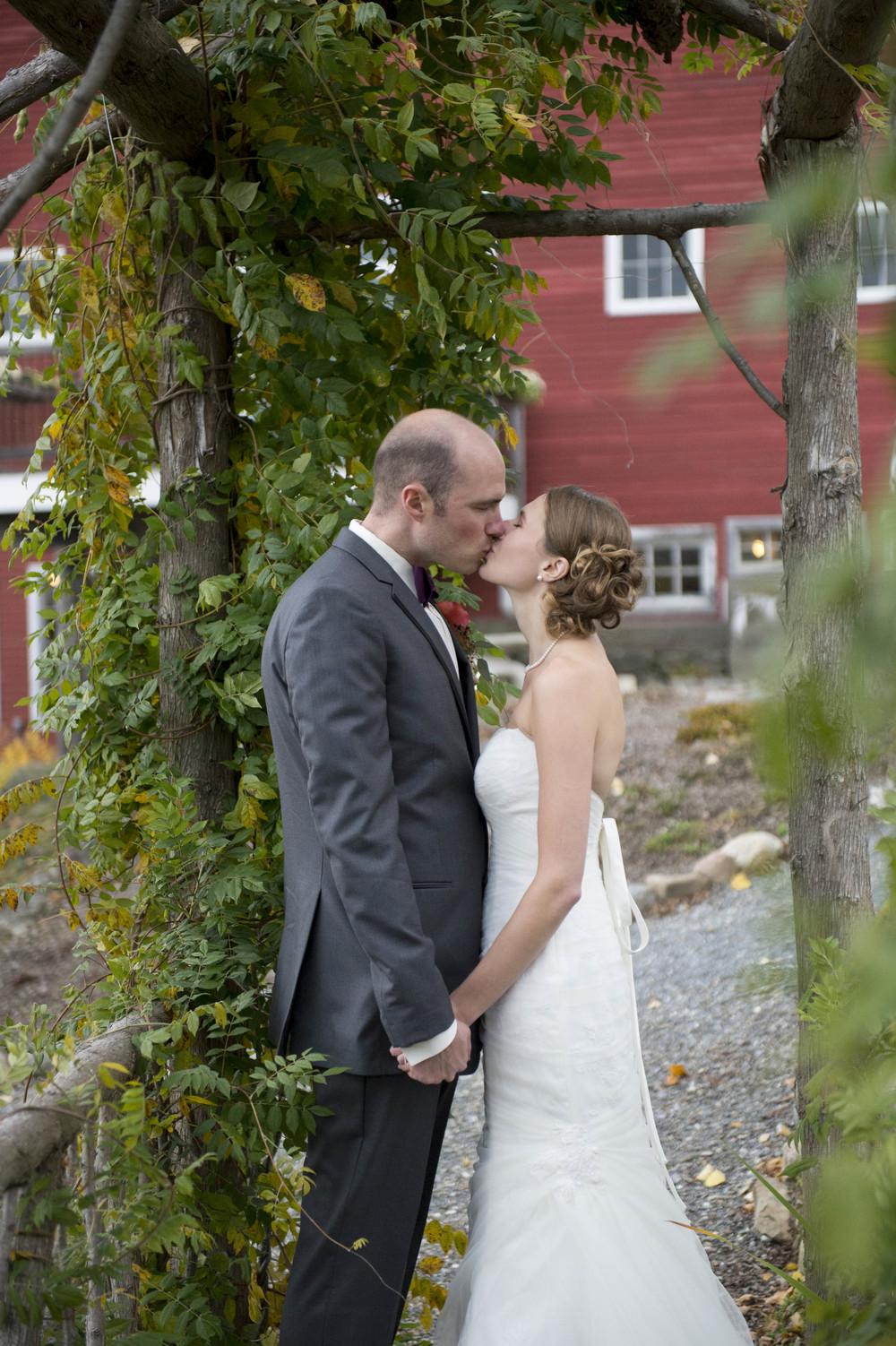 Lang_Farm_Barn_Wedding_Vermont035.jpg