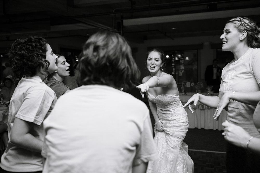 Candid-Wedding-Photography-Katie-Noble017.jpg